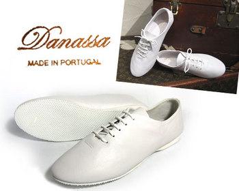 白い靴.jpg