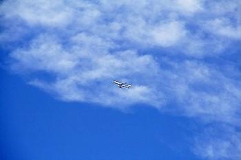 青空と飛行機.jpg